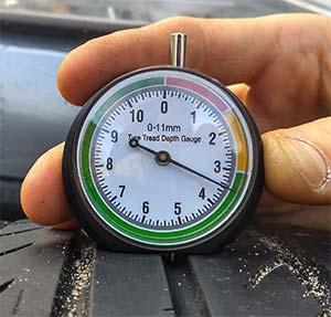 Comprobador desgaste neumáticos