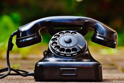 Plásticos termoestables - Teléfono antiguo de Baquelita