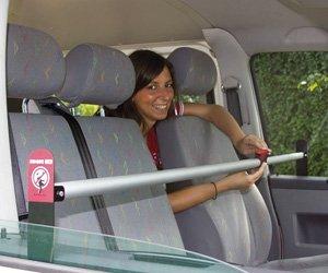 Barra bloqueo de puertas autocaravana